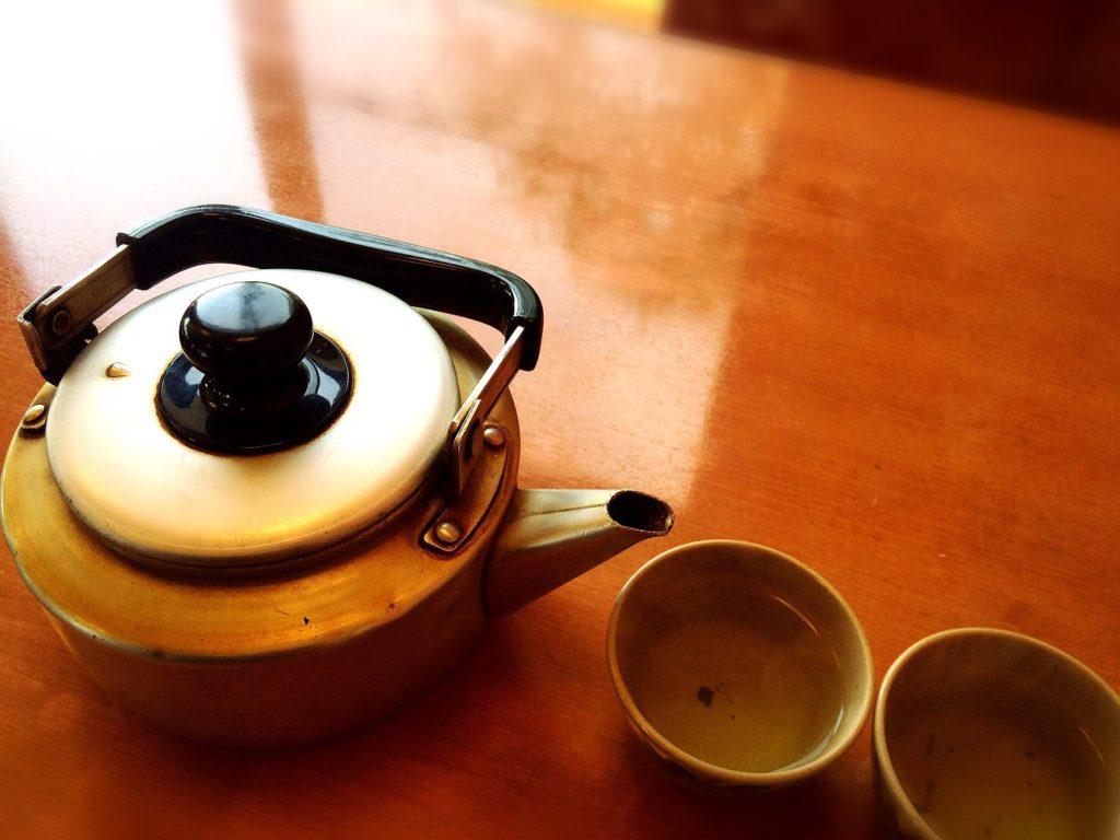 びんび家のやかんとお茶