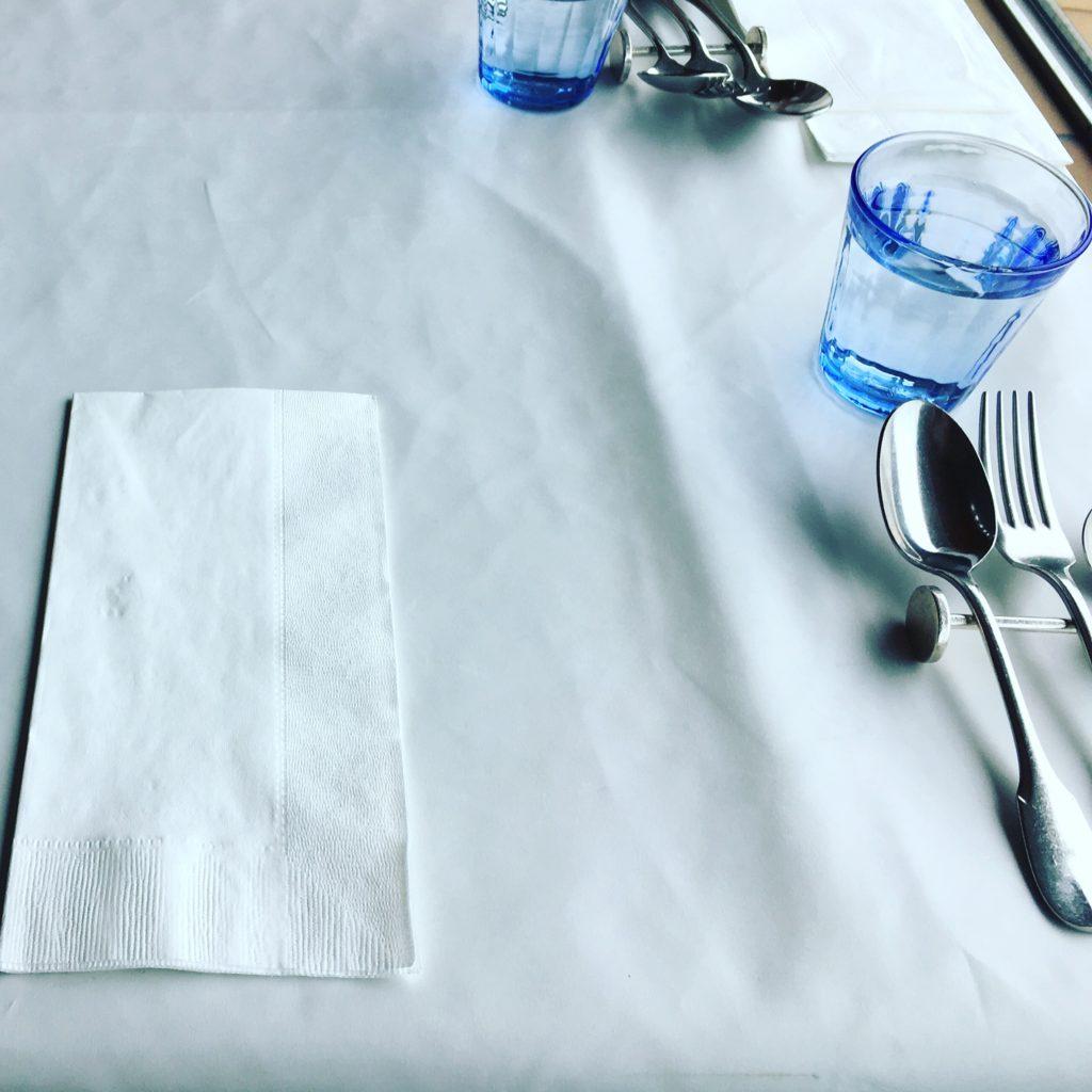 ポンテメールのテーブル