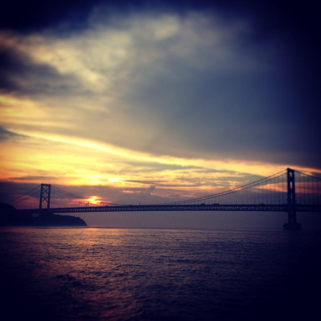 うずしお観潮船から見る大鳴門橋