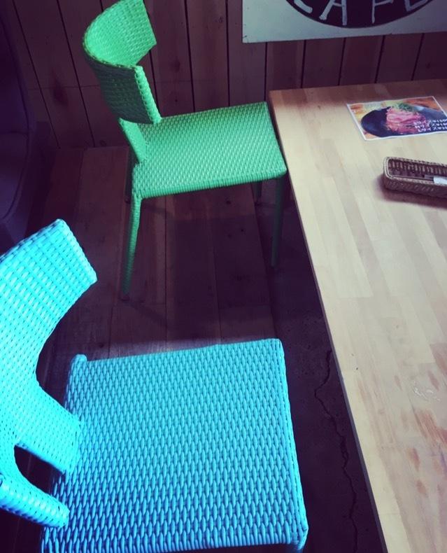 志知カフェの座席