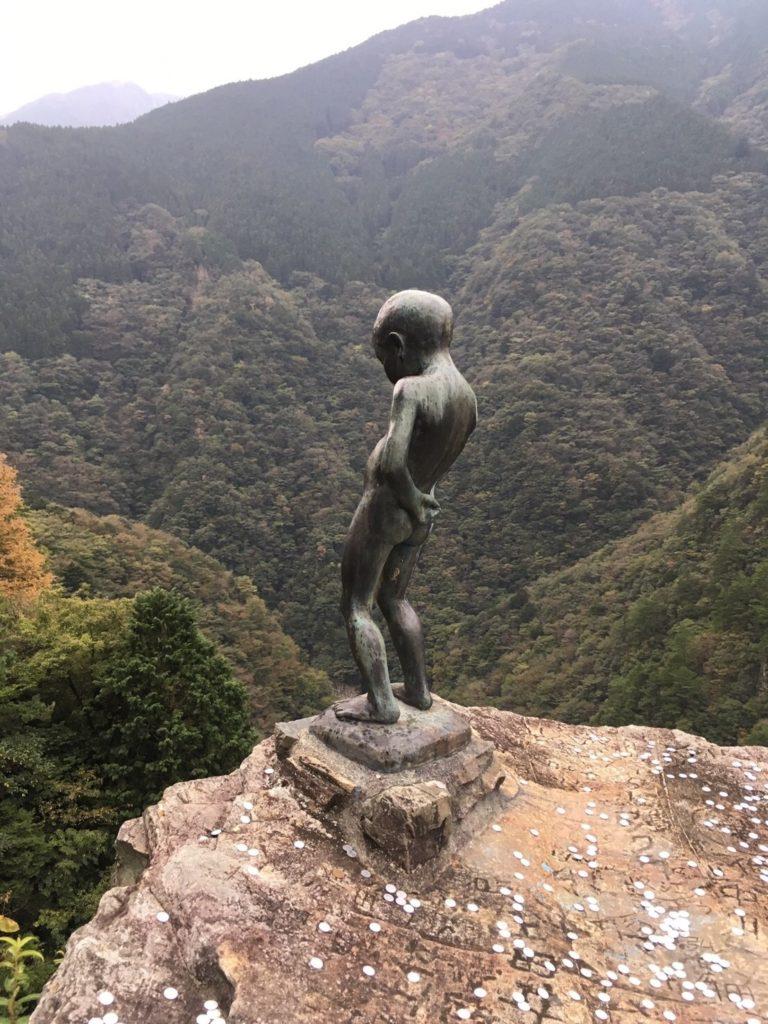 祖谷渓の小便小僧