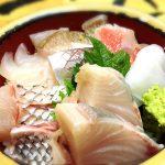 タカマル鮮魚店の地魚海鮮丼