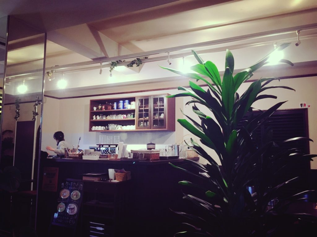 喫茶ルートの店内