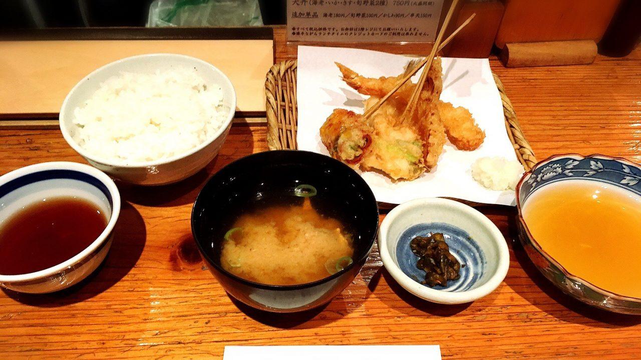 新宿段々屋のランチ、季節の天ぷら定食梅