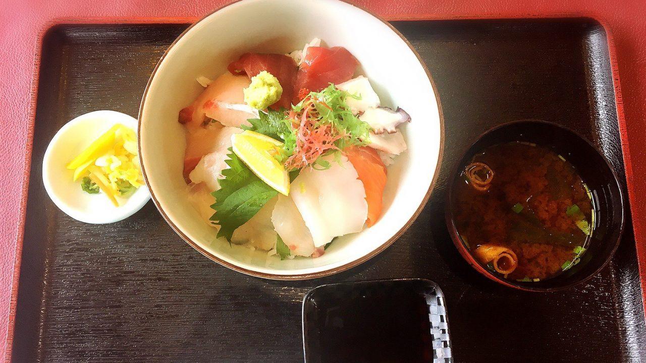 じゃのひれアウトドアリゾートキッチン太公望の「海鮮丼」