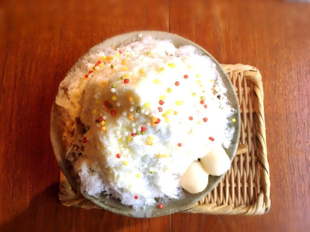 菜と根(kitone)の練乳黒蜜かき氷(850円)