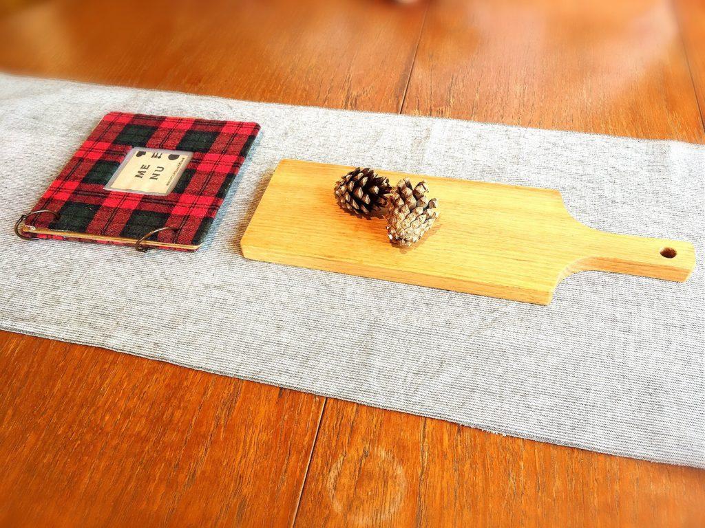 菜と根(kitone)のテーブル