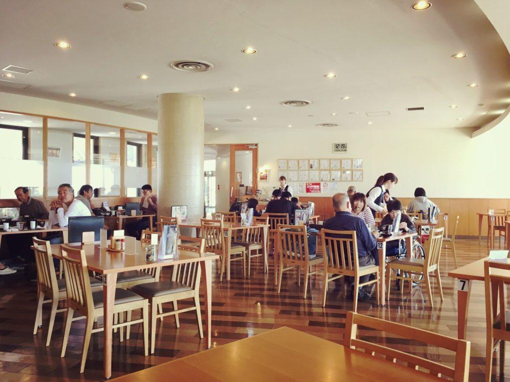 ウェルネスパーク五色のレストラン浜千鳥の店内