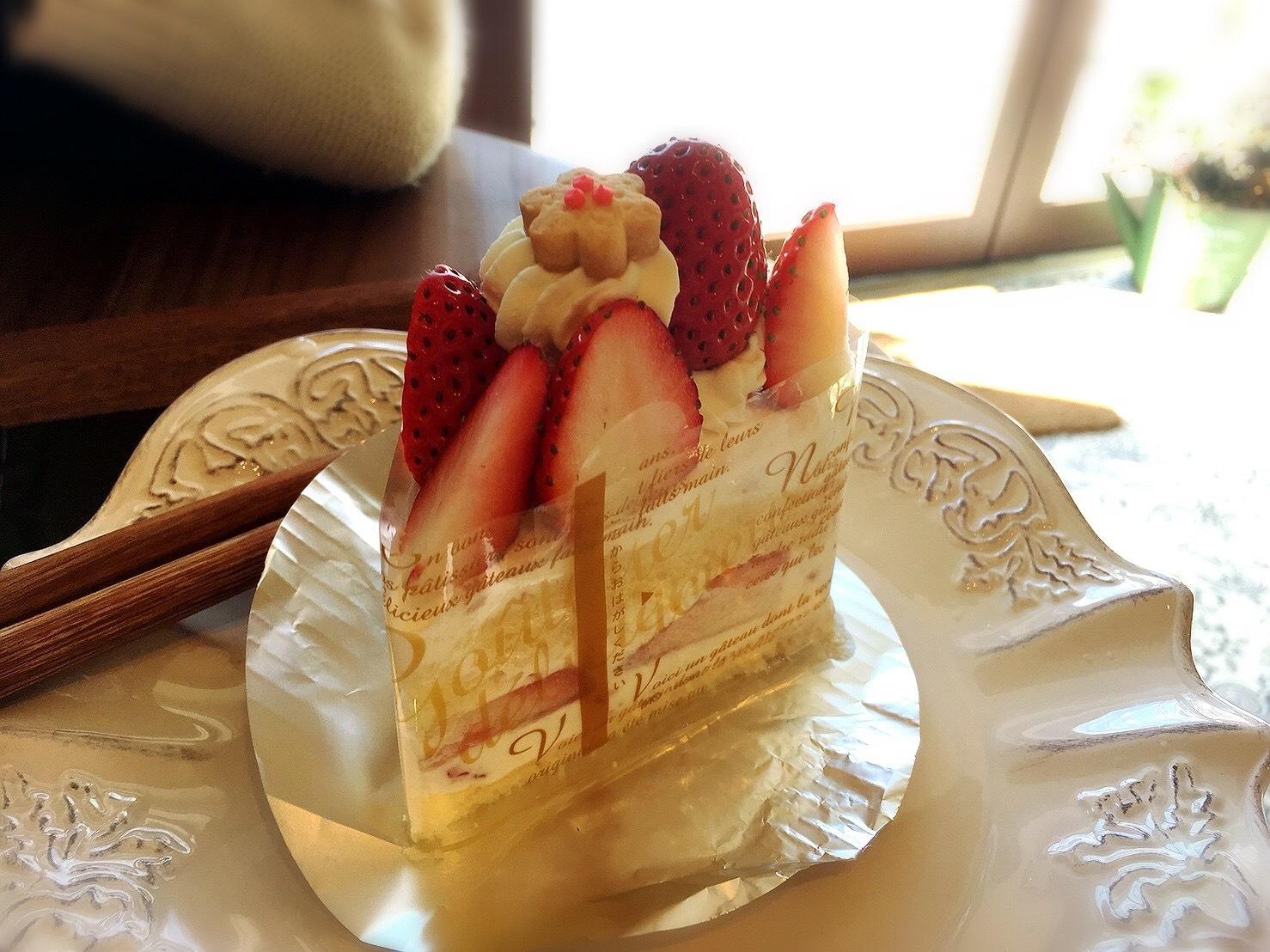 星の果樹園カフェのいちご畑のショートケーキ