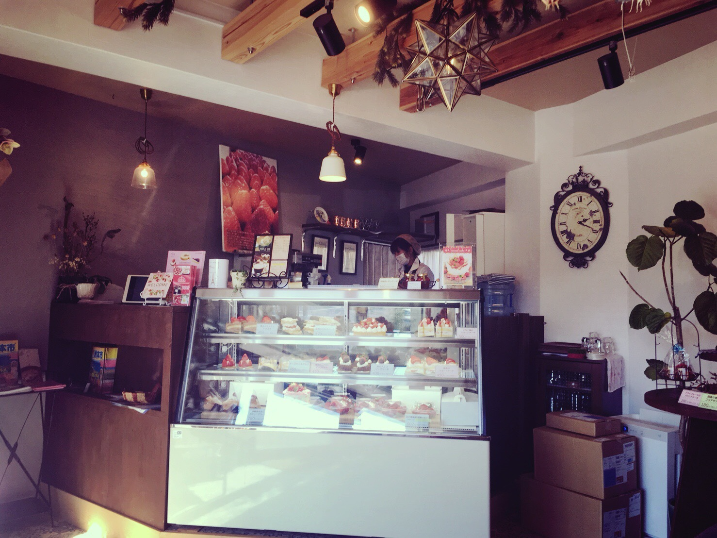 星の果樹園カフェの店内