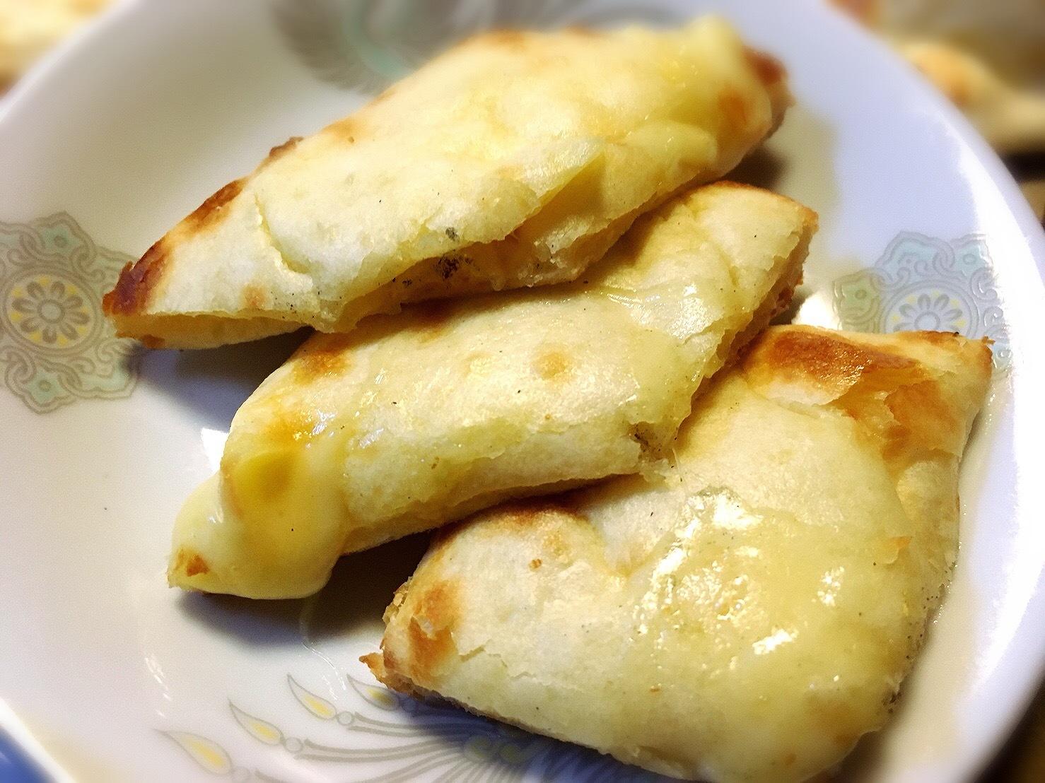 パシュパティカリーのチーズナン