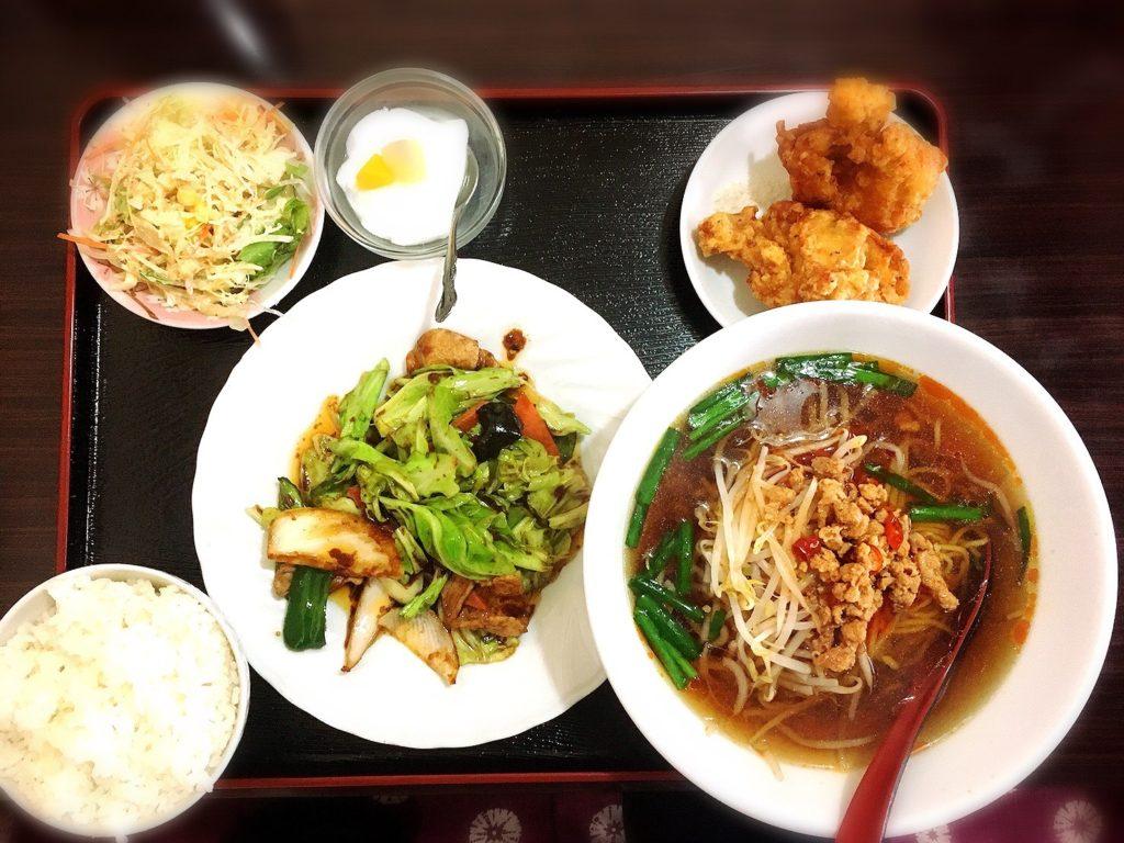 豊源の回鍋肉定食(台湾ラーメン)980円