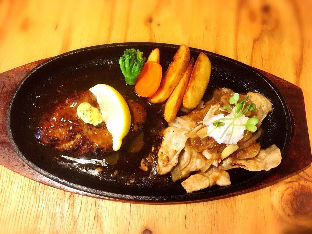 ハラペコキッチンのワイルドハンバーグ180gと下町炒め(豚バラと玉ねぎとにんにく)