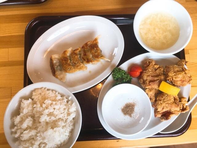 餃子酒房丈夫のとりから定食(旨辛餃子付き)