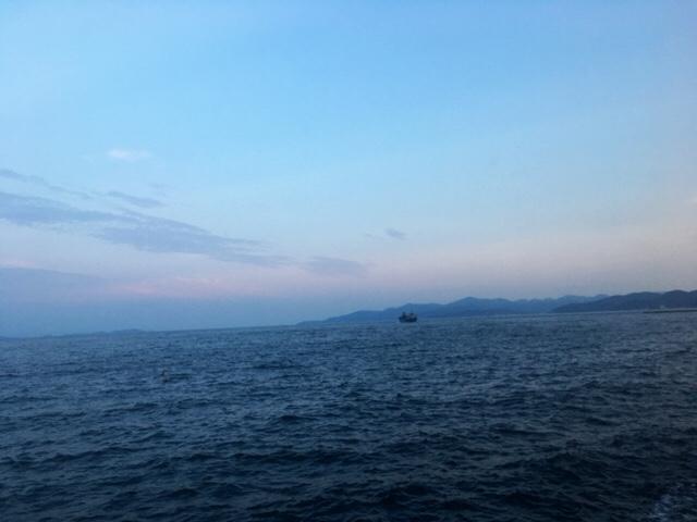 船と海と空と雲