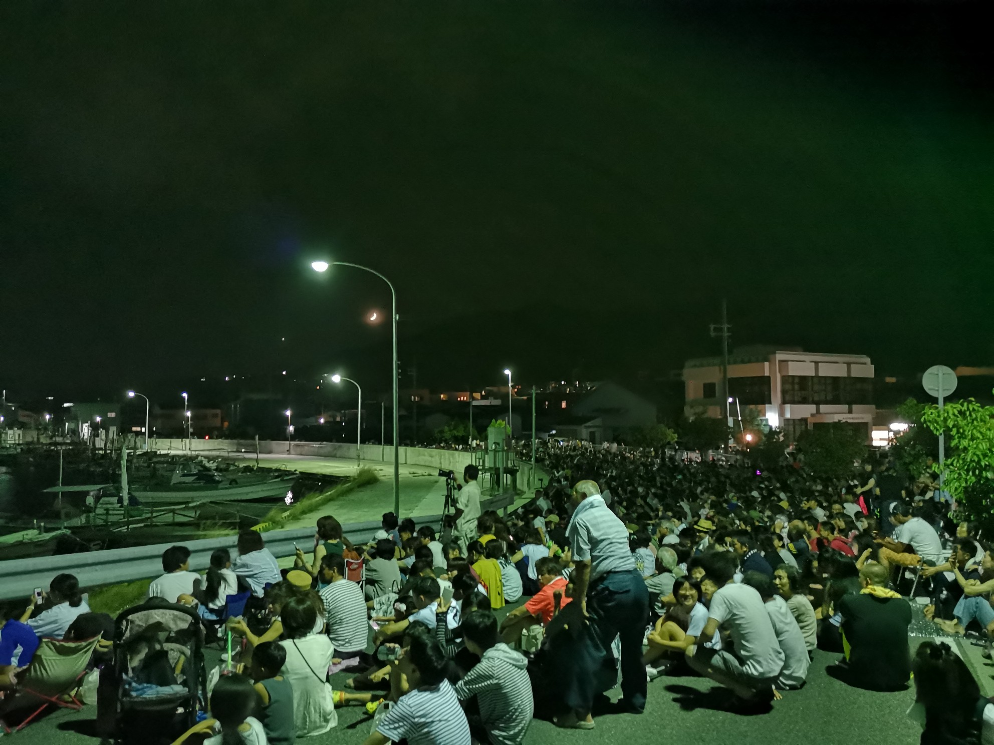 福良湾海上花火大会の福良の坂道