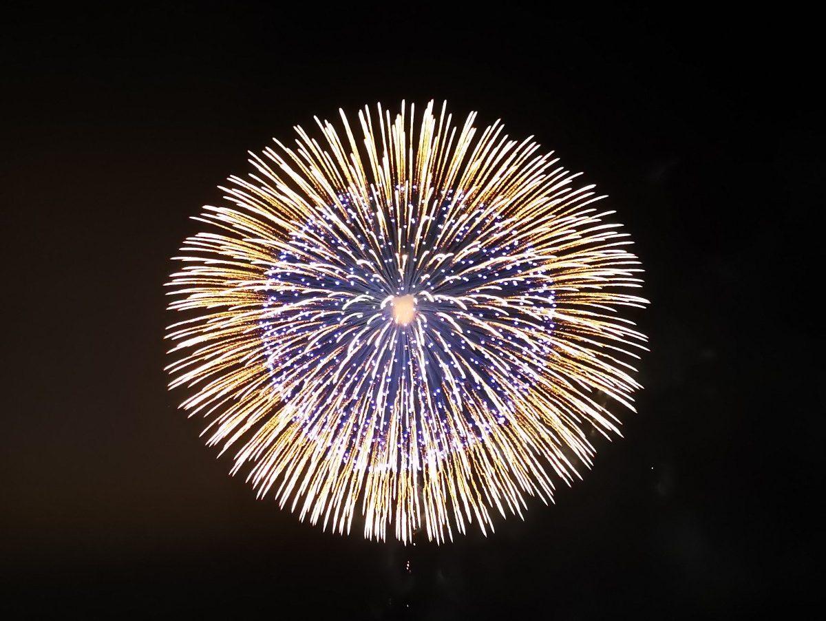 福良湾海上花火大会の2尺玉