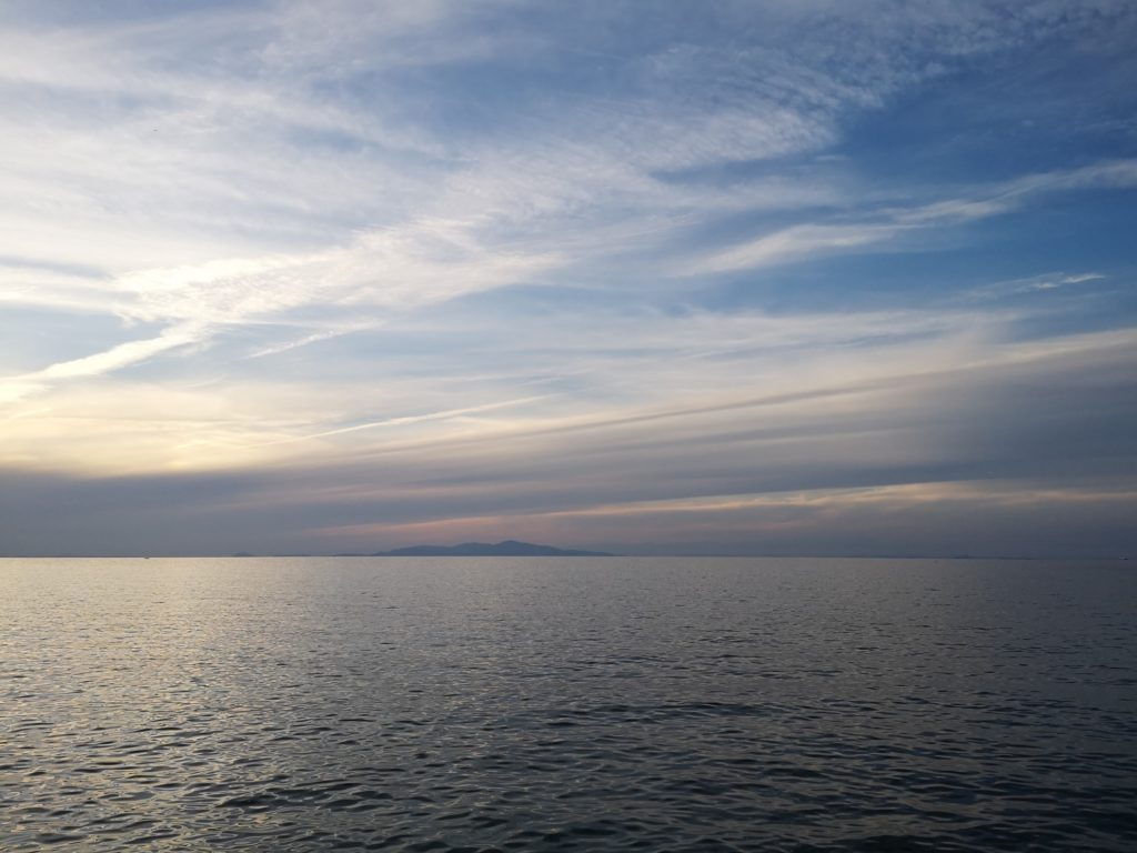 タチウオ釣りの前の夕焼け空(2018.10)