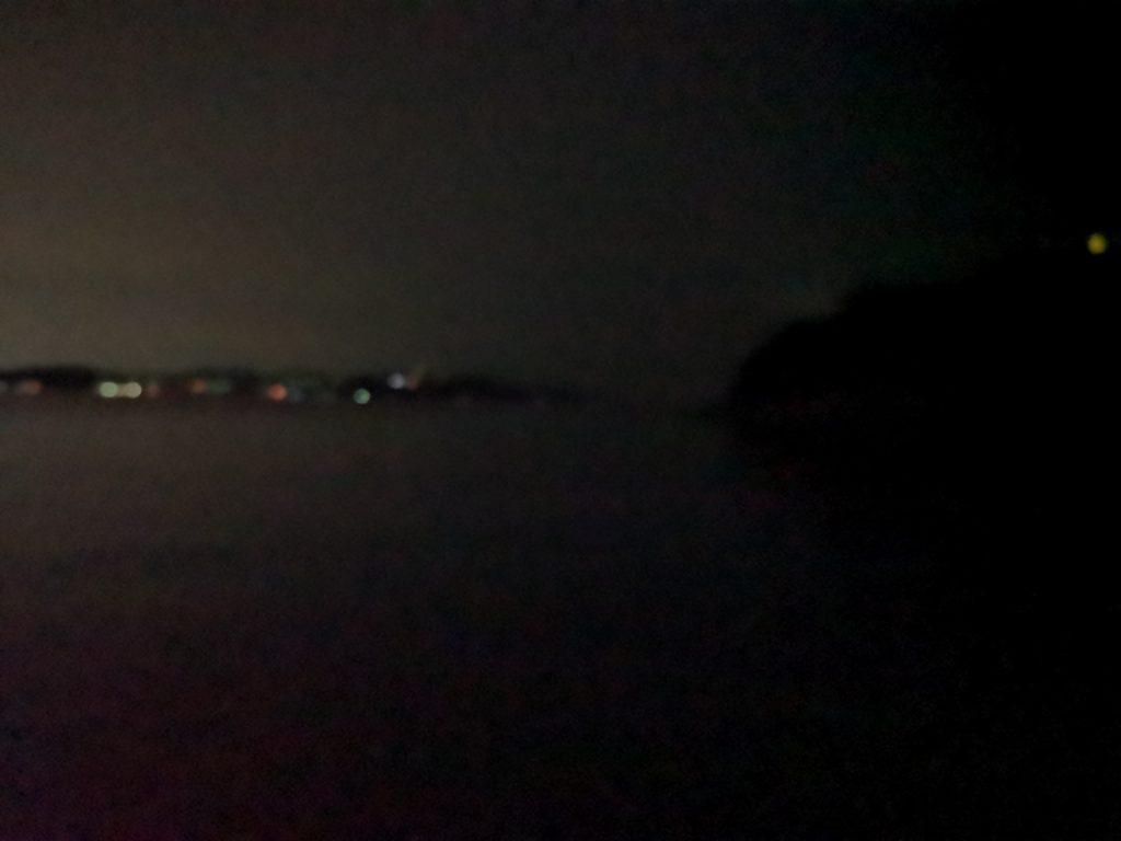 アオリイカ163gを釣った夜の海は絹のように滑らかな海面(2018.11)