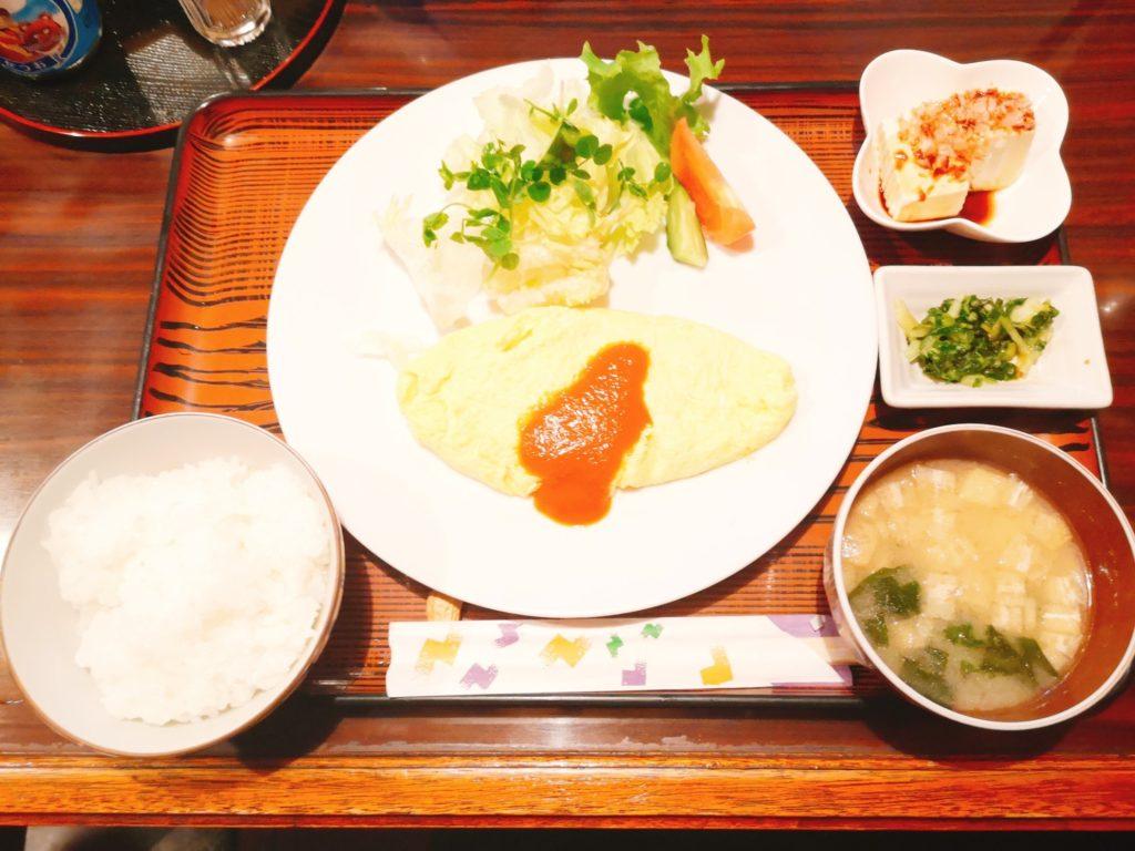 京里亭のオムレツ定食(夜のランチ)