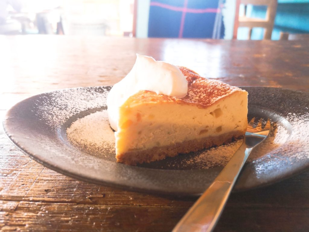 ネキのさつまいもとりんごのベイクドチーズケーキ