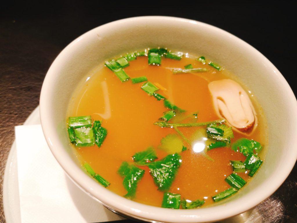 新橋オールドタイランドのガパオランチのセットスープ