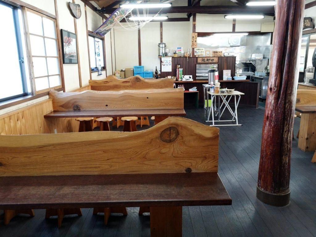 香川丸亀「なかむら」の店内
