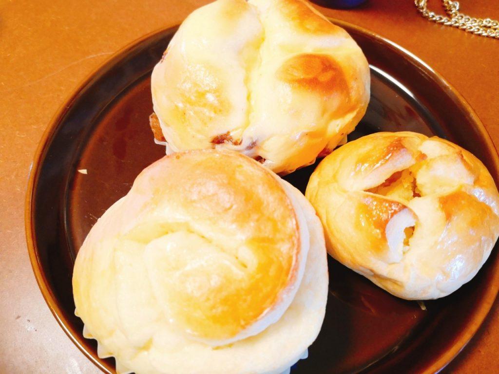 フカエパンのうずまきパン、栗パン、チーズレーズン