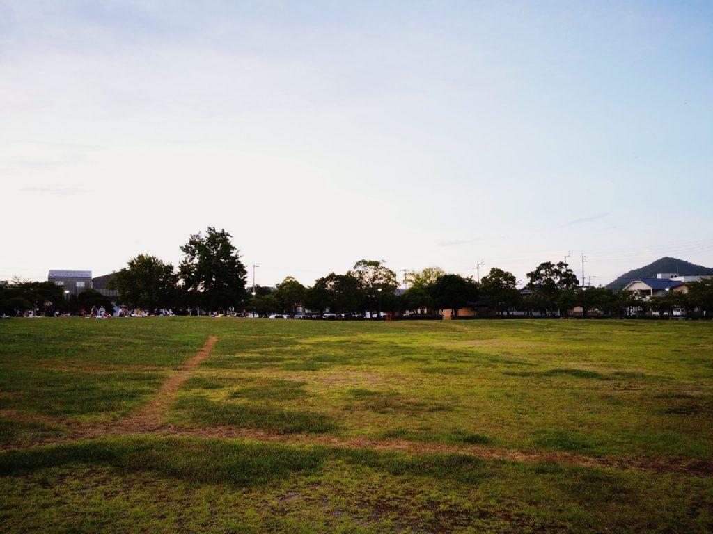 うずしおふれあい公園の芝生広場