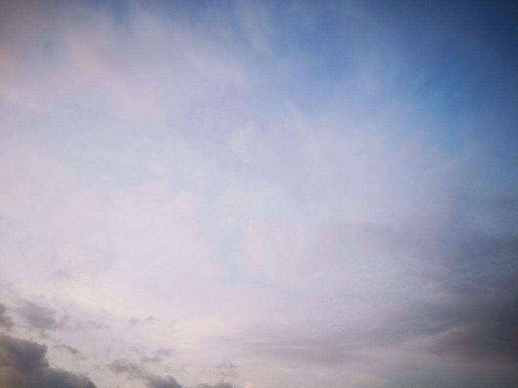 秋の朝マヅメの空(2019.10)