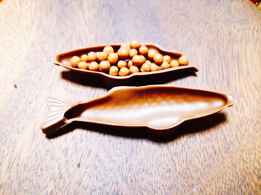 洋菓子店マチルダの魚型チョコレートポワソン