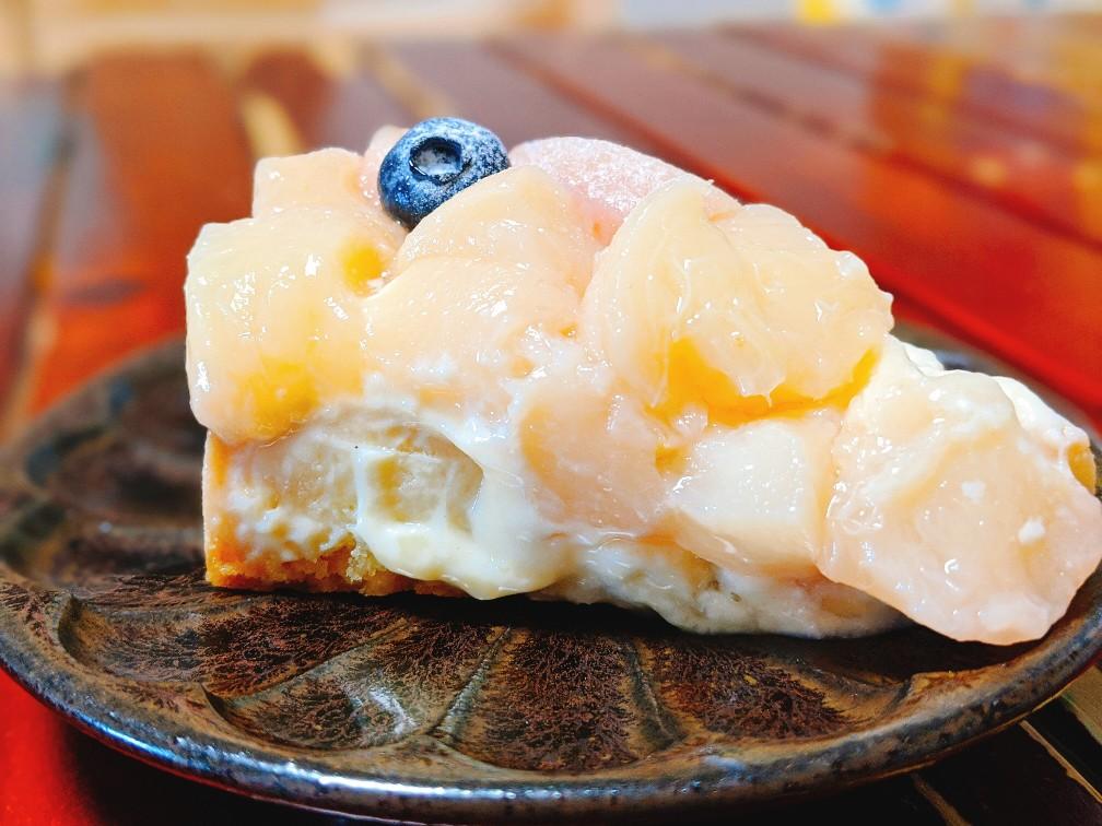 カフェマロウの桃のタルト