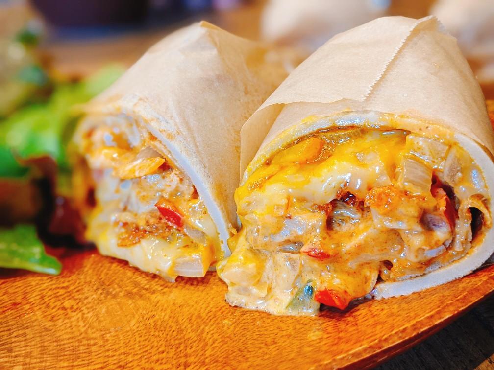 洲本商工会議所チャレンジショップのエピスパのチキンケバブロールチーズ入り