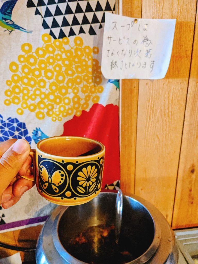 志知カフェのランチサービスのスープバー