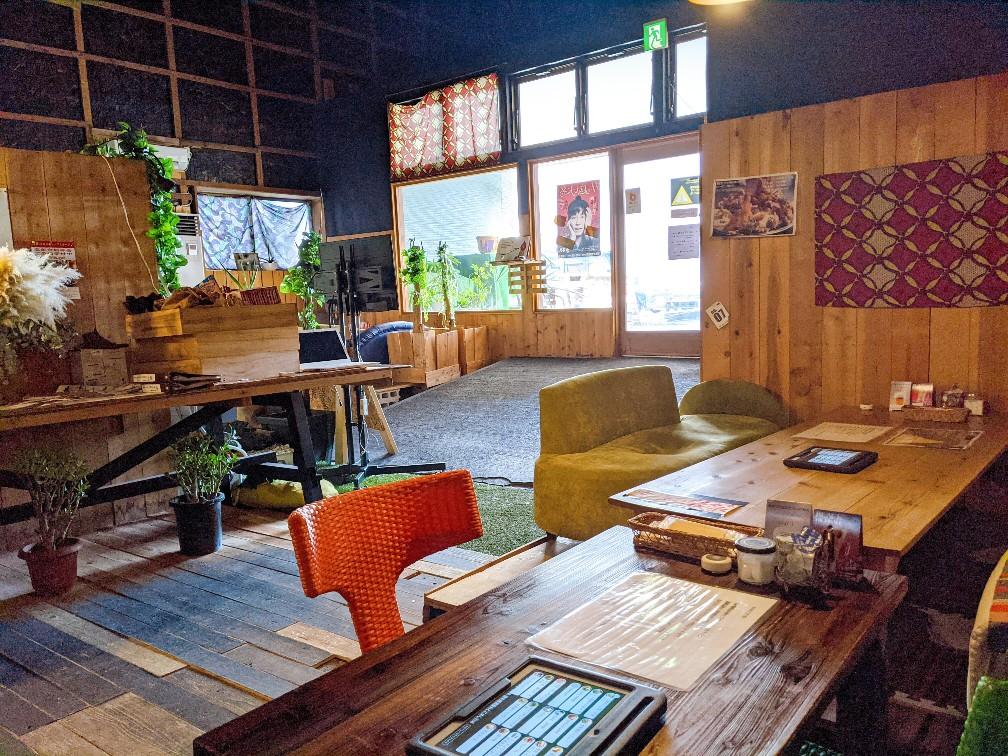 志知カフェの店内